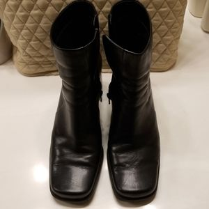 Nine and Company Leather Boots